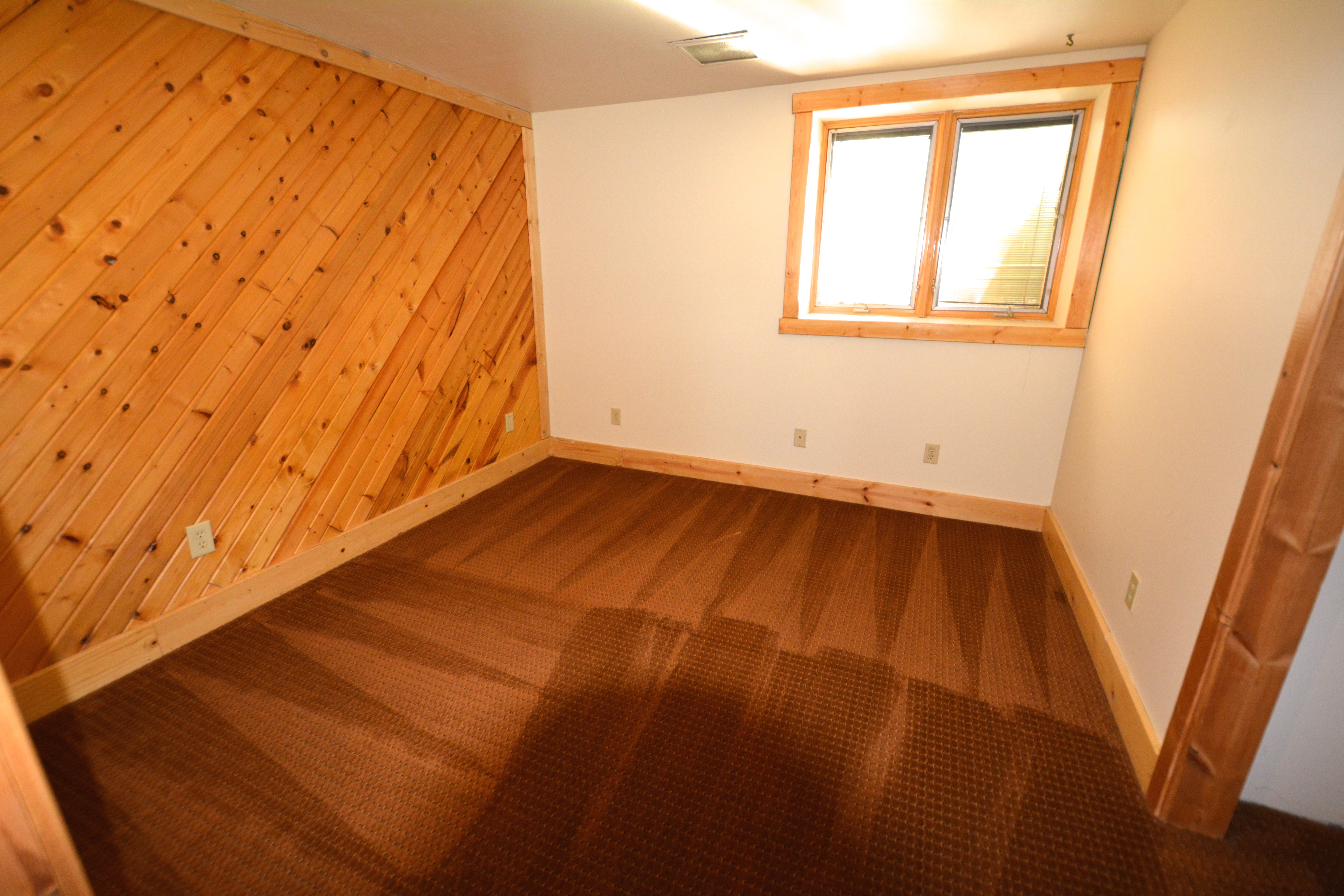 house for rent 222 15th av w menomonie wi 5 br 2 ba close to uw stout basement bedroom bedroom of 5 bedroom house for rent