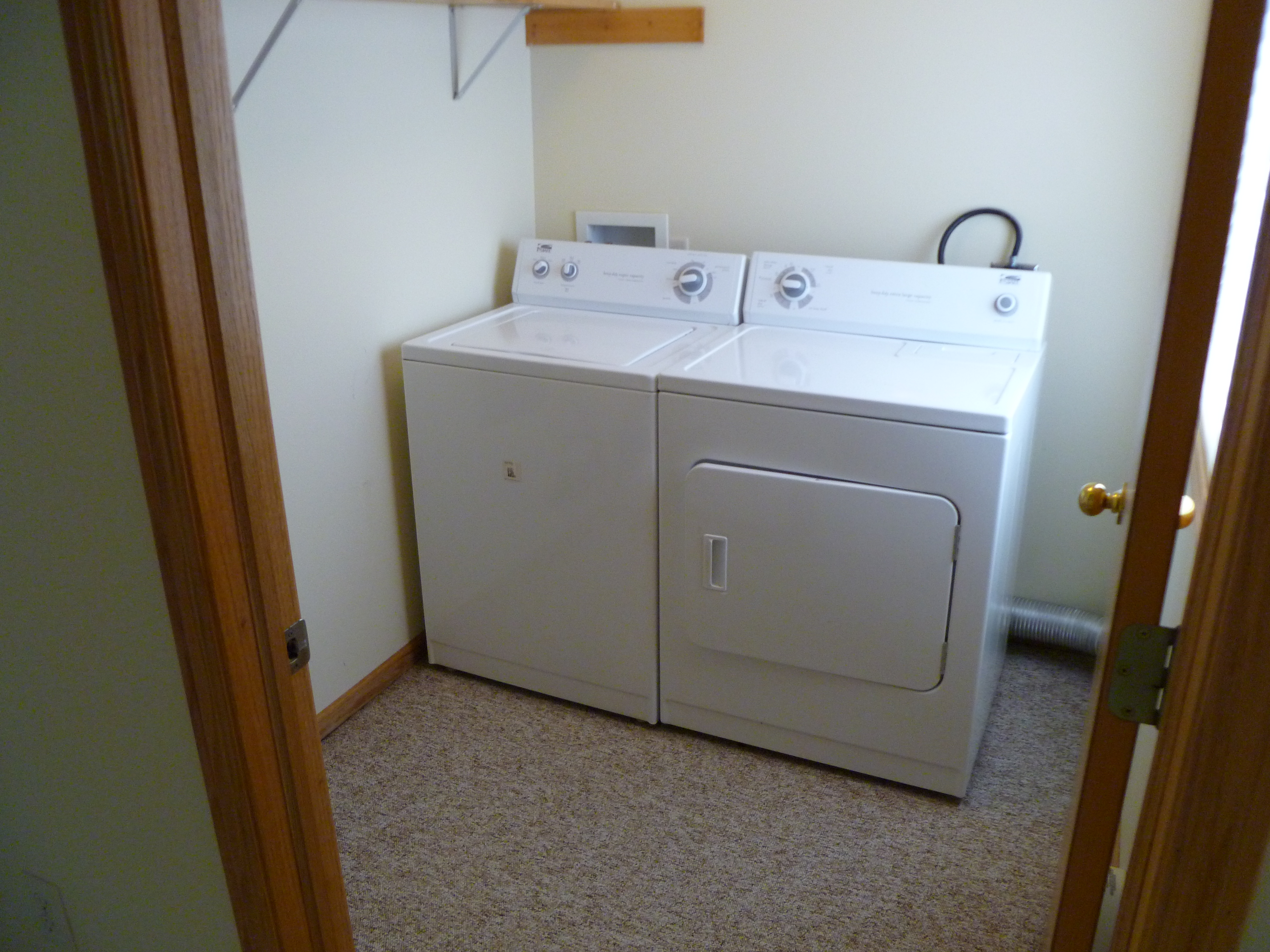 apartment for rent in menomonie wi student rental uw stout laundry with washer dryer laundry room in 3 bedroom student rental